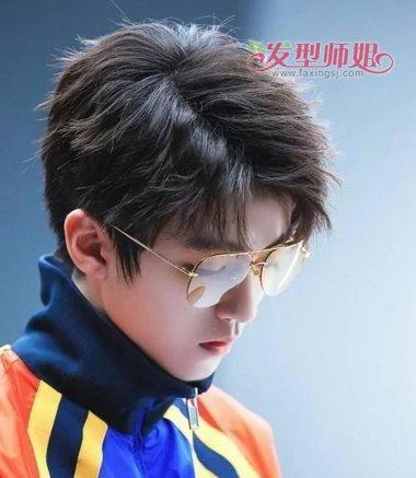 【沈教授图片】沈教授说戴眼镜男生最好这样梳发 例数最帅禁欲系男生戴眼镜发型