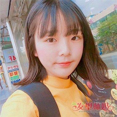 今年内扣刘海怎么弄带出新体验 女生剪空气刘海中发内扣图片