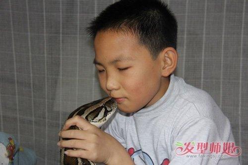 1一3岁小孩男剪短发发型图片 带你领略中式孩子适合的短头发-轻博客