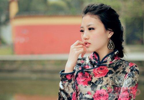 2019女生穿旗袍怎么扎发最典雅好看 旗袍迷扎头发要复古与时尚相结合