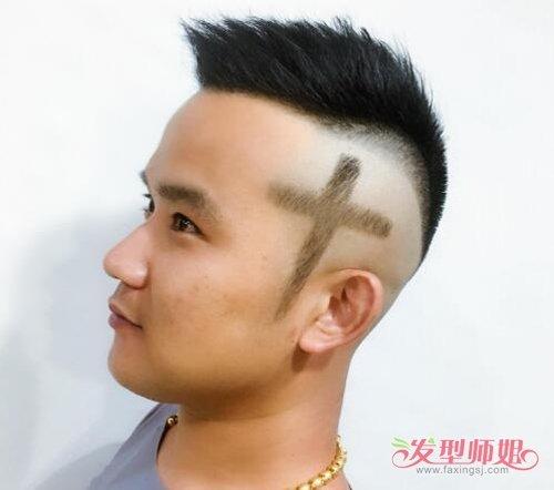 男生头发两边刻图案_潮男梳刻痕短发图案不必太花哨 几条杠组合在一起就很个性时髦 ...