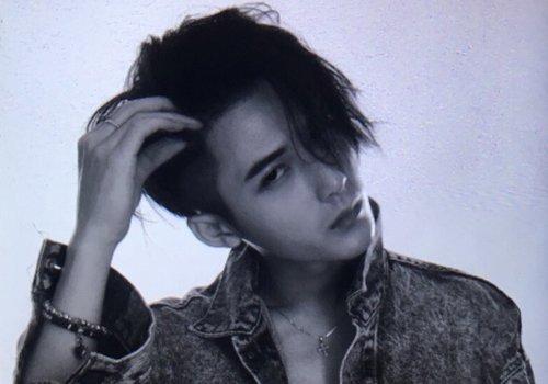 现在梳中发的男生真的越来越少了 2019男生最新中发专为文艺青年设计
