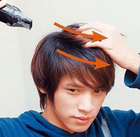 在时尚的男生短发日常不打理也会很low 潮男必学家用吹风机吹头发技巧