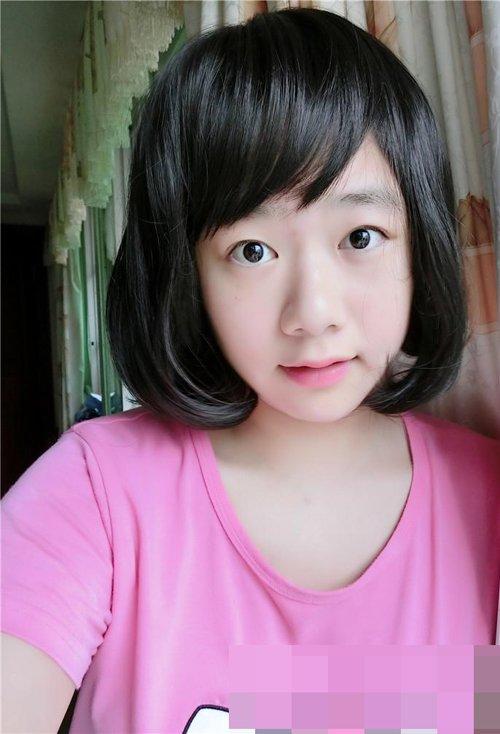 女生修剪简约空气坠刘海风格发 俏皮唯美韩式卷头发图片赏析