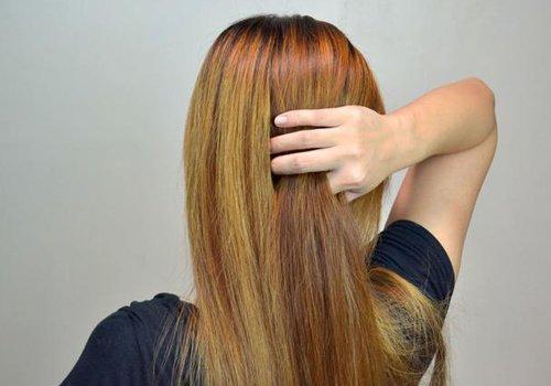 偶尔想拥有浪漫时尚卷发的直发MM 快来学学易上手的一次性卷发教程