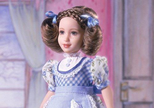 热衷给芭比娃娃扎头发的宝贝看过来 怎么给芭比扎头发和生活扎发方向完全不同