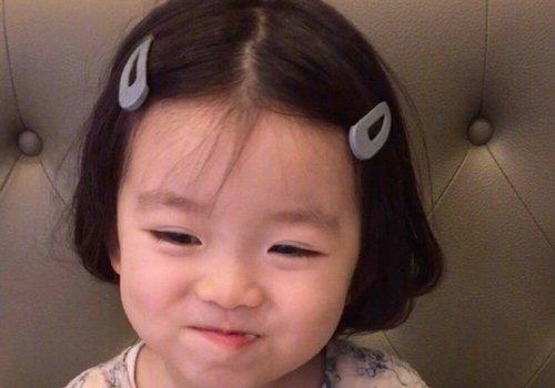 连女婴头发怎么剪都有教程 小女孩剪短发发型的方法更多了-轻博客