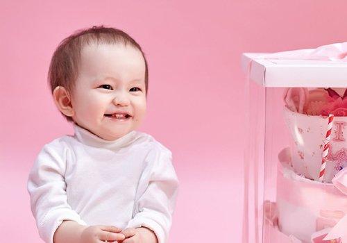 女宝宝那么可爱头发短一些没关系 小女孩最简约的短发发型