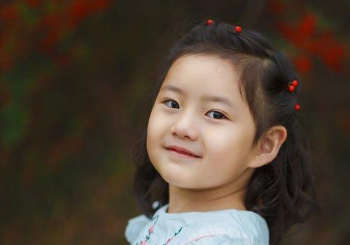 女孩甜美新颖短发编发安利 妈妈再也不怕女儿头发短没造型了