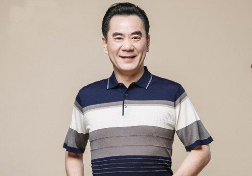 背头成功男士的标志 50岁以上中老年人男士梳背头成熟稳重有格调
