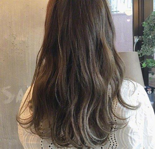 2020年有哪些流行的长发烫法 女生长卷发图片各有千秋烫法超多