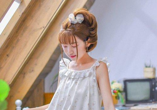 年龄不同适合且喜欢的马尾辫有区别 今年圆脸女生流行马尾辫扎法