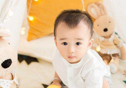 一到两岁男宝宝头发太短怎么办 不想整天戴帽子那就get最萌短发