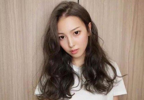 头发稀少哪种发型更凸显发量 少发量适合的发型仿若为茂发而生