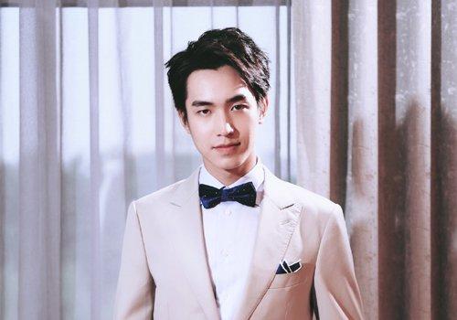 今年男生有哪些斜刘海发型 潮男百变斜刘海短发时髦且不挑脸型
