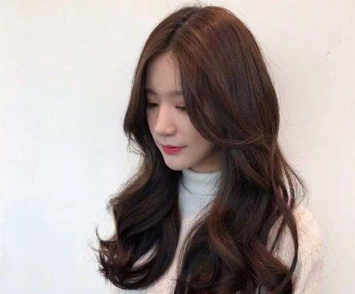 头发太多会影响烫发美感 有适合头发多的烫发教程万事不愁