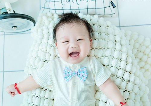 今年男宝宝理发造型图片,再短的头发也能很时髦,0岁小正太都在梳-轻博客