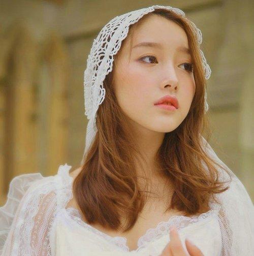胖女生也有春天!微胖女生结婚头发这样梳显瘦又浪漫,做最美新娘