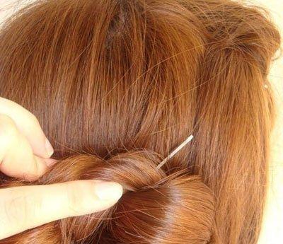 方脸怎样盘头发简单好看 适合方脸的简单盘头发型