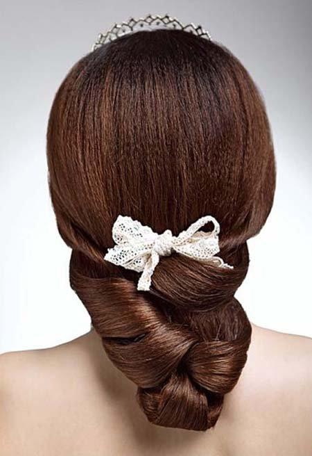 普通新娘盘头如何把头发盘起来 新娘简易盘头发的方法图解