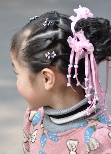 小女孩跳舞盘发的步骤_小孩子发型_小男孩发型设计_小女孩发型图片_小孩子短发型_发型 ...