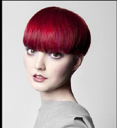 染酒红色的头发会显老吗 时尚染酒红色发型图片