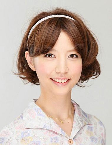 气质中分短发发型 修颜逆龄时尚发型