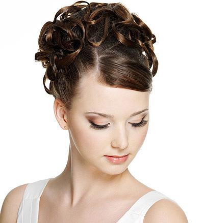 魔幻女生发型 让你轻松摆脱短脖子做美丽白天鹅