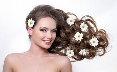 8个解决头发干枯毛躁的方法 远离枯黄发质