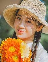 夏季与帽子更配哟 夏季女生戴帽子发型新玩法
